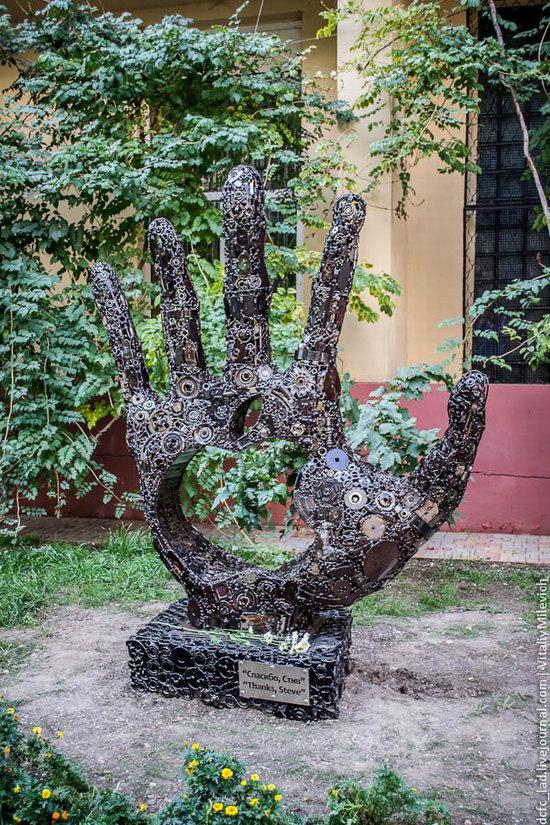 Steve Jobs, Apple founder, monument in Odessa, Ukraine photo 2