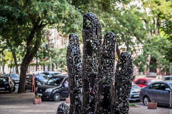 Steve Jobs, Apple founder, monument in Odessa, Ukraine photo 7