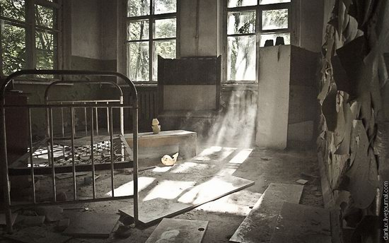 Abandoned kindergarten in the Chernobyl zone, Ukraine photo 1