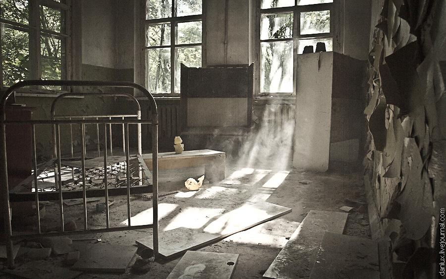 Abandoned kindergarten in the Chernobyl zone · Ukraine