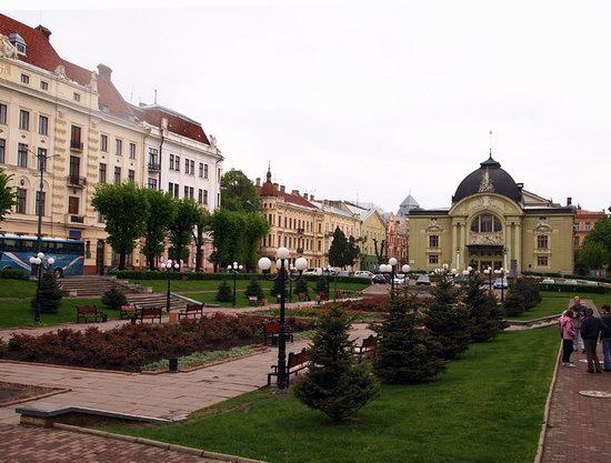 Chernovtsy city, Ukraine photo 13