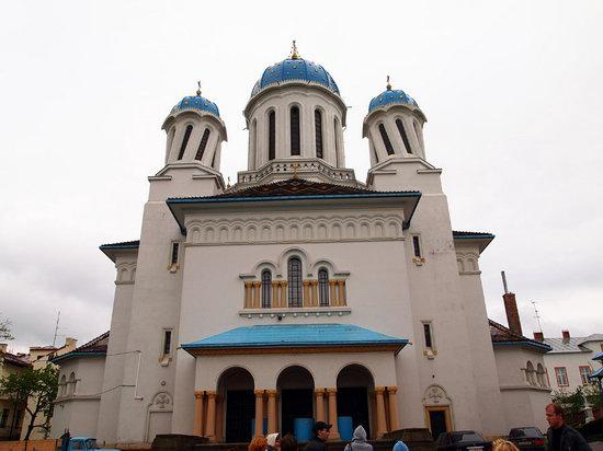 Chernovtsy city, Ukraine photo 5