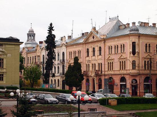 Chernovtsy city, Ukraine photo 9
