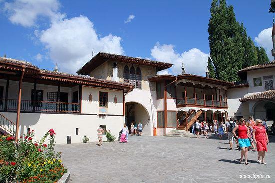Khan's Palace, Bakhchisaray, Crimea, Ukraine photo 3