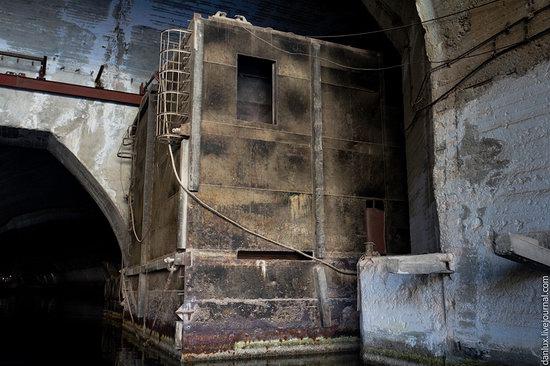 Underground submarine base in Balaklava, Crimea, Ukraine photo 2