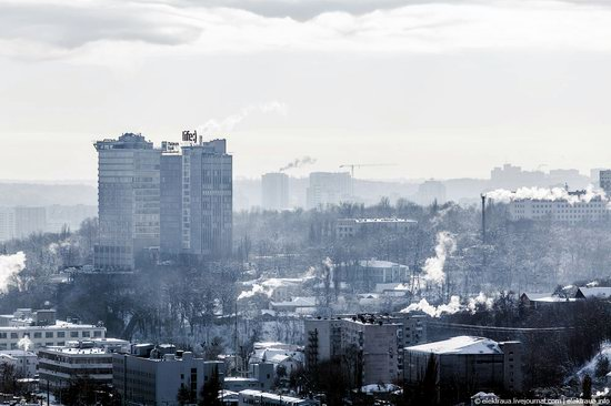 Kiev, capital of Ukraine, after snowfall photo 11