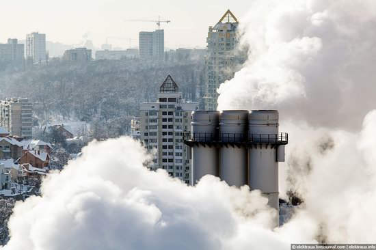 Kiev, capital of Ukraine, after snowfall photo 14