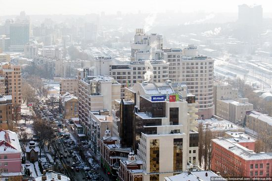Kiev, capital of Ukraine, after snowfall photo 15