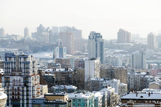 Kiev, capital of Ukraine, after snowfall photo 9