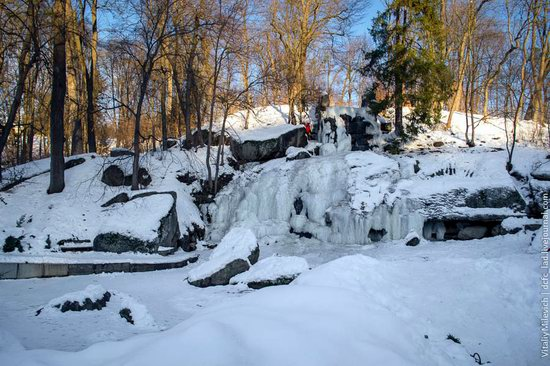 Snow-covered Sofiyivka park, Uman, Ukraine photo 18