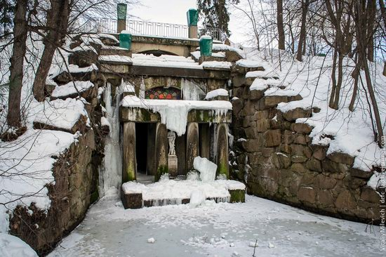 Snow-covered Sofiyivka park, Uman, Ukraine photo 20