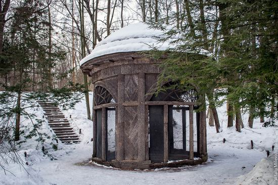 Snow-covered Sofiyivka park, Uman, Ukraine photo 21