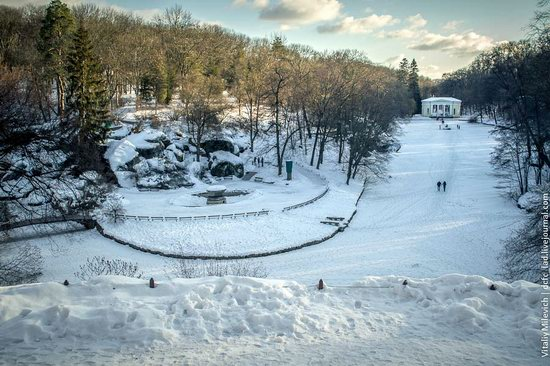 Snow-covered Sofiyivka park, Uman, Ukraine photo 26