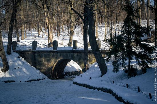 Snow-covered Sofiyivka park, Uman, Ukraine photo 6