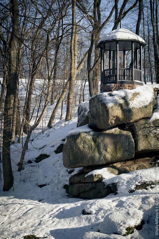 Snow-covered Sofiyivka park, Uman, Ukraine photo 8