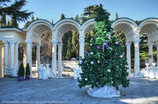 Winter Yalta, Crimea, Ukraine photo 23
