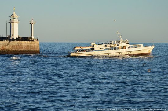 Winter Yalta, Crimea, Ukraine photo 8