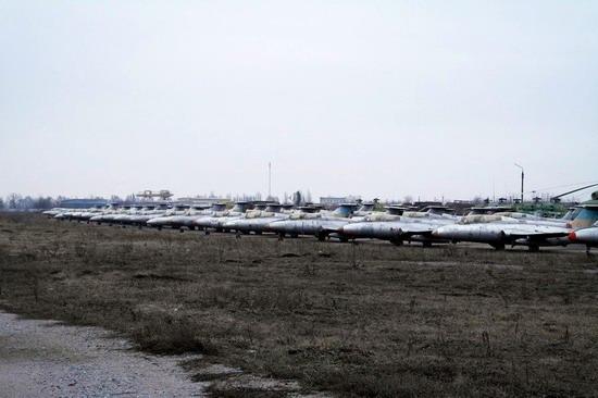 Abandoned flight training center near Zaporozhye, Ukraine photo 11