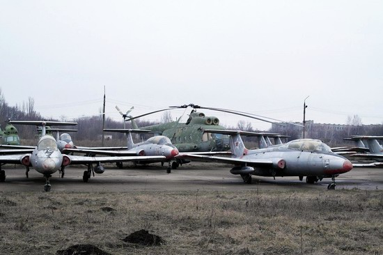 Abandoned flight training center near Zaporozhye, Ukraine photo 13