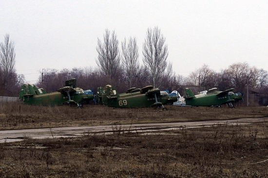 Abandoned flight training center near Zaporozhye, Ukraine photo 15