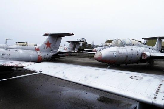 Abandoned flight training center near Zaporozhye, Ukraine photo 17