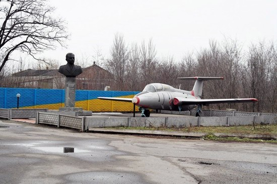 Abandoned flight training center near Zaporozhye, Ukraine photo 3