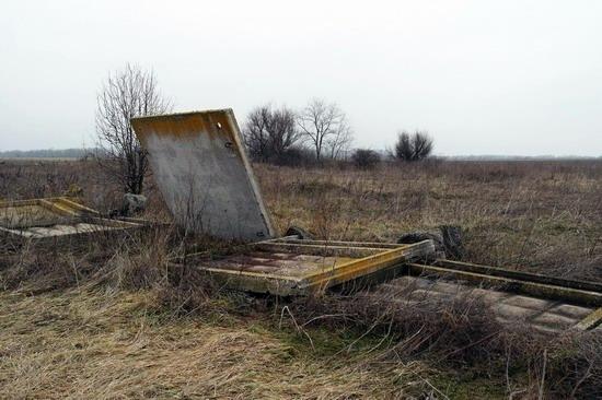 Abandoned flight training center near Zaporozhye, Ukraine photo 8