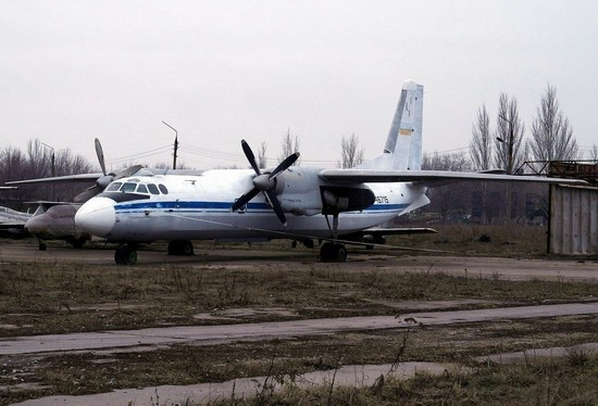 Abandoned flight training center near Zaporozhye, Ukraine photo 9