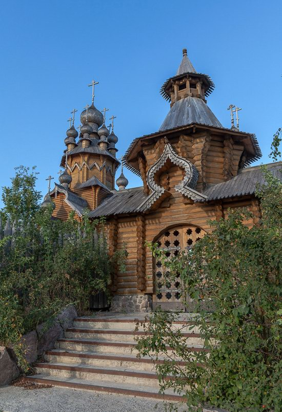 The wooden monastery of All Saints in Svyatogorsk Lavra photo 7