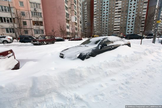 Abnormally heavy snowfall in Kiev, Ukraine photo 17