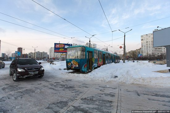 Abnormally heavy snowfall in Kiev, Ukraine photo 8