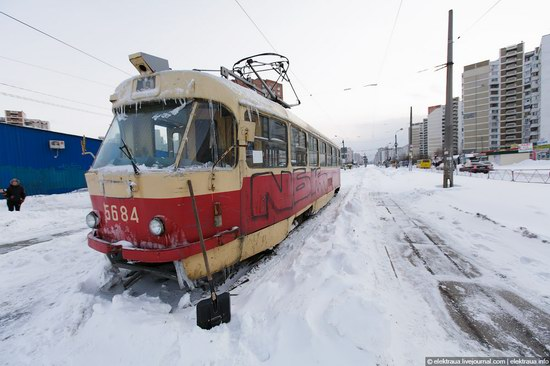 Abnormally heavy snowfall in Kiev, Ukraine photo 9