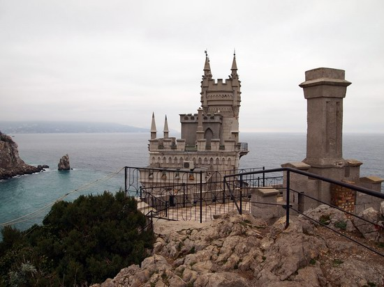Architectural monument Swallow's Nest and surroundings photo 11