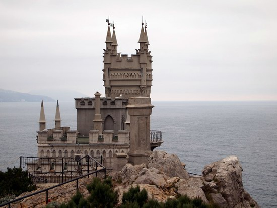 Architectural monument Swallow's Nest and surroundings photo 12