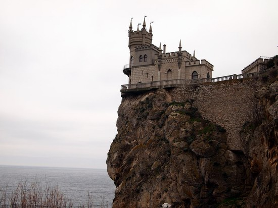 Architectural monument Swallow's Nest and surroundings photo 13