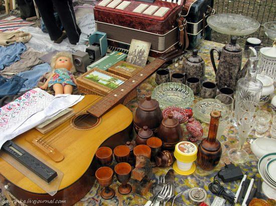 Flea market, Kharkov, Ukraine photo 3