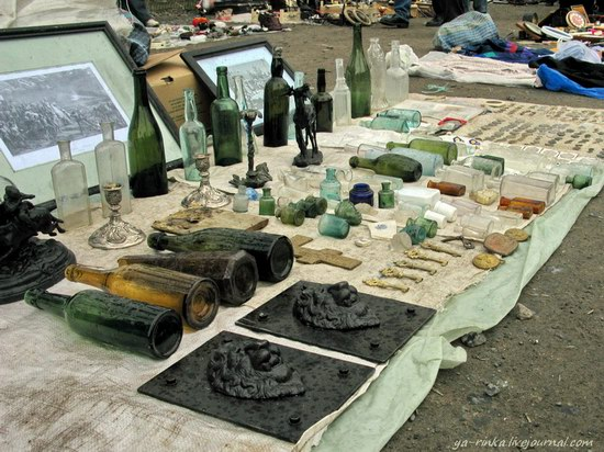 Flea market, Kharkov, Ukraine photo 6