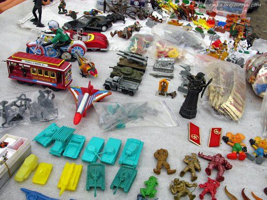 Flea market, Kharkov, Ukraine photo 8