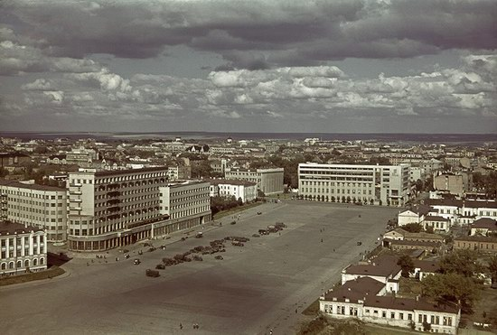 Kharkiv, Ukraine during the German occupation in color, photo 11