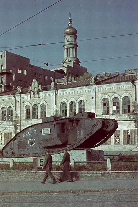 Kharkiv, Ukraine during the German occupation in color, photo 18
