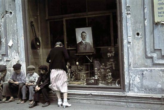 Kharkiv, Ukraine during the German occupation in color, photo 6