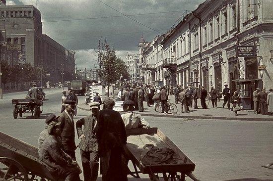 Kharkiv, Ukraine during the German occupation in color, photo 8