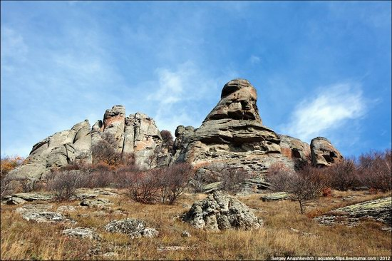 The Valley of Ghosts stone statues, Crimea, Ukraine photo 1