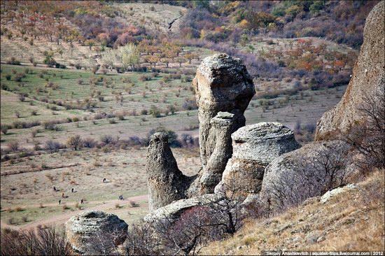 The Valley of Ghosts stone statues, Crimea, Ukraine photo 2