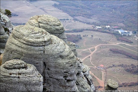 The Valley of Ghosts stone statues, Crimea, Ukraine photo 23
