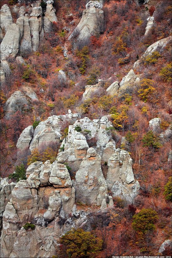 The Valley of Ghosts stone statues, Crimea, Ukraine photo 6