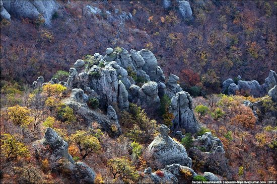 The Valley of Ghosts stone statues, Crimea, Ukraine photo 7