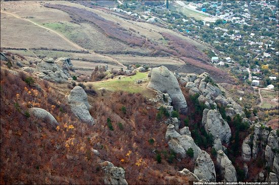 The Valley of Ghosts stone statues, Crimea, Ukraine photo 8