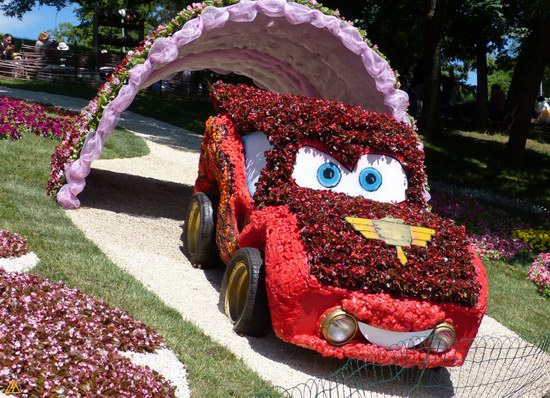 Exhibition of flower cars at Pevcheskoe Pole in Kiev, Ukraine photo 1