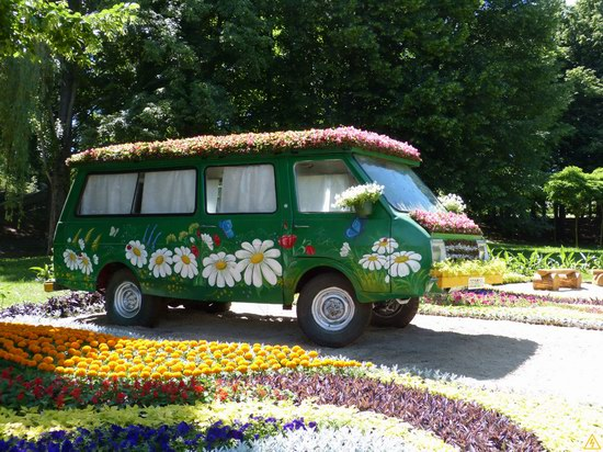Exhibition of flower cars at Pevcheskoe Pole in Kiev, Ukraine photo 5